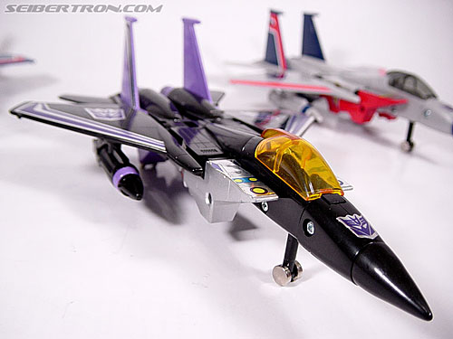 Transformers G1 1984 Skywarp (Image #2 of 37)
