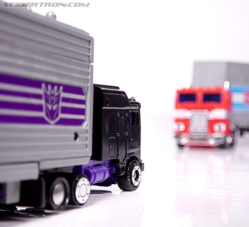 Transformers G1 1986 Motormaster (Image #40 of 76)