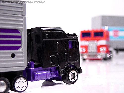 Transformers G1 1986 Motormaster (Image #41 of 76)