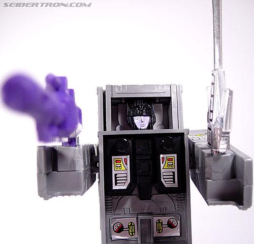 Transformers G1 1986 Motormaster (Image #67 of 76)