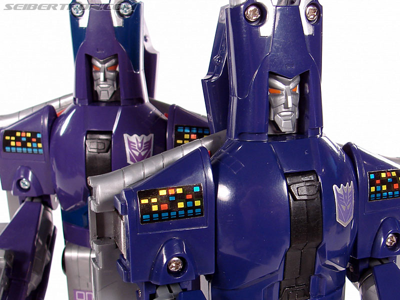Transformers G1 1987 Cyclonus (Image #134 of 164)