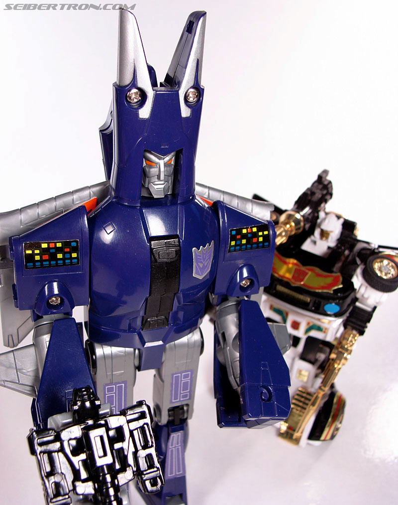 Transformers G1 1987 Cyclonus (Image #163 of 164)