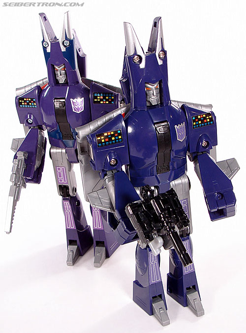Transformers G1 1987 Cyclonus (Image #132 of 164)