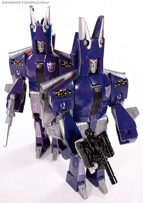 Transformers G1 1987 Cyclonus (Image #135 of 164)