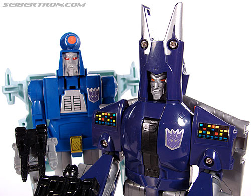 Transformers G1 1987 Cyclonus (Image #141 of 164)