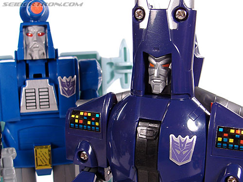 Transformers G1 1987 Cyclonus (Image #142 of 164)
