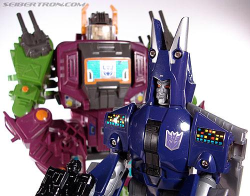 Transformers G1 1987 Cyclonus (Image #145 of 164)