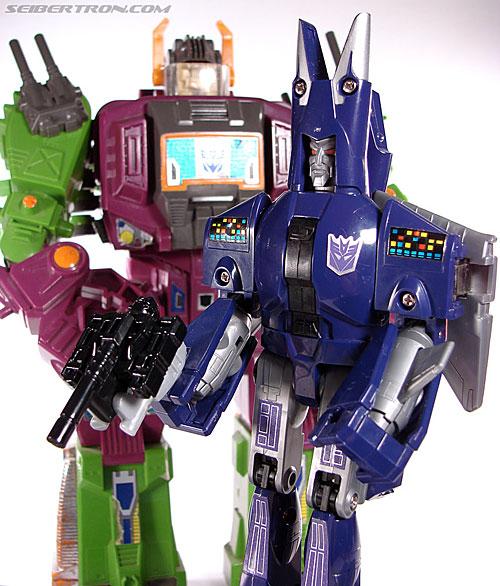 Transformers G1 1987 Cyclonus (Image #146 of 164)