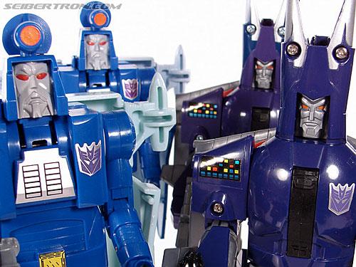 Transformers G1 1987 Cyclonus (Image #154 of 164)