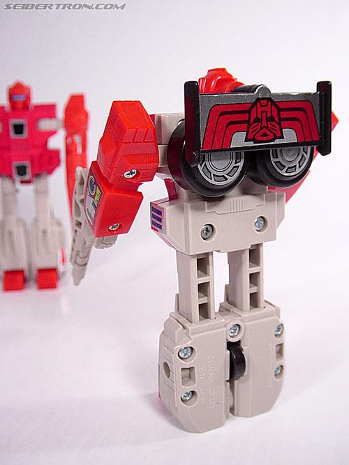 Transformers G1 1987 Fastlane (Image #16 of 24)