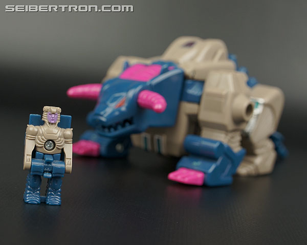 Transformers G1 1988 Kreb (Bullhorn) (Image #6 of 42)