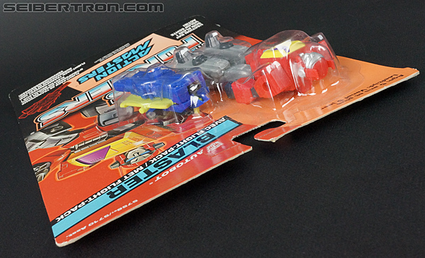 Transformers G1 1990 Blaster with Flight Pack (Image #19 of 124)