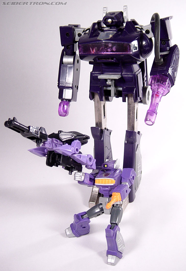 Transformers G1 1990 Shockwave with Fistfight (Image #51 of 56)