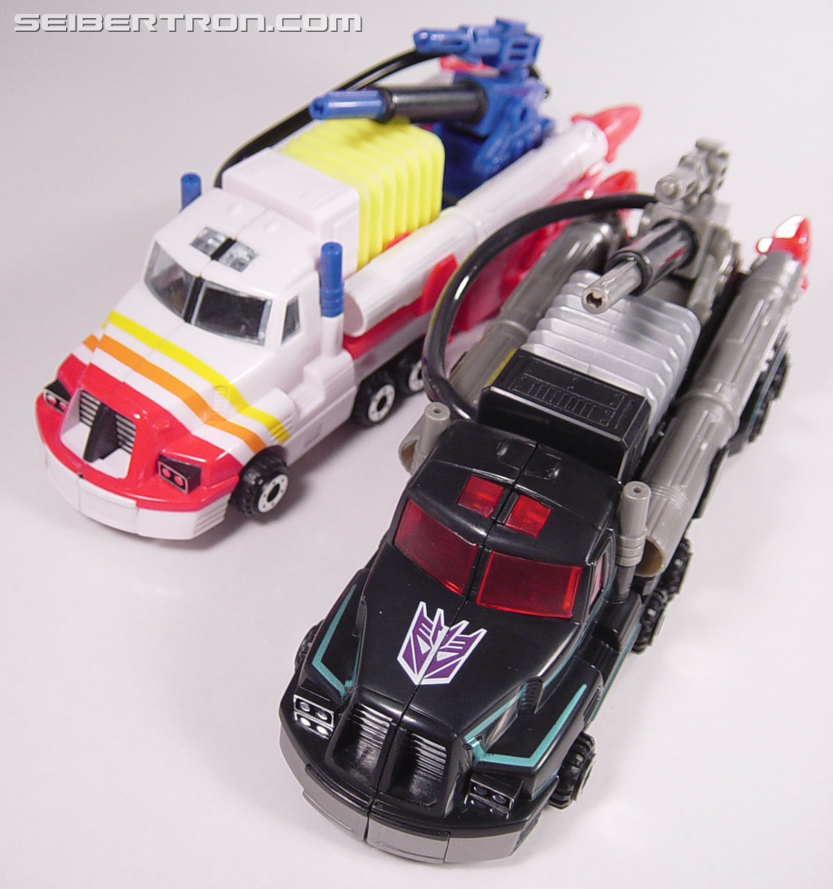 Transformers Robots In Disguise Scourge (Black Convoy) (Image #40 of 102)