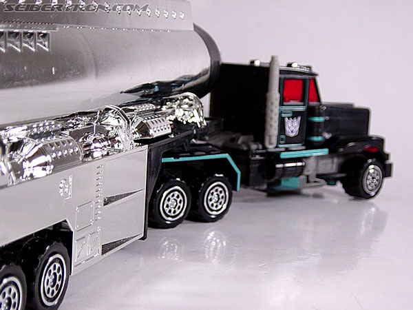 Transformers Robots In Disguise Scourge (Black Convoy) (Image #9 of 67)