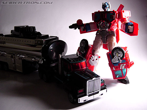 Transformers Robots In Disguise Scourge (Black Convoy) (Image #26 of 67)