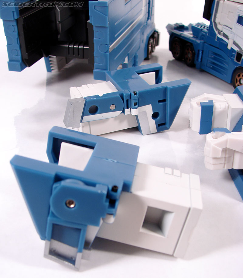 Transformers 3rd Party Products TFX-01 City Commander (Ultra Magnus) (Image #96 of 269)