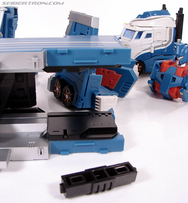 Transformers 3rd Party Products TFX-01 City Commander (Ultra Magnus) (Image #111 of 269)