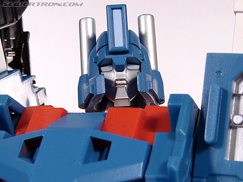 3rd Party Products TFX-01 City Commander (Ultra Magnus) gallery