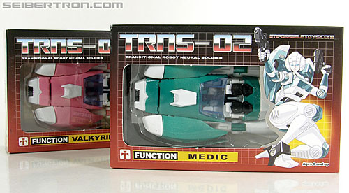 Transformers 3rd Party Products TRNS-02 Medic (Paradron Medic) (Image #2 of 122)