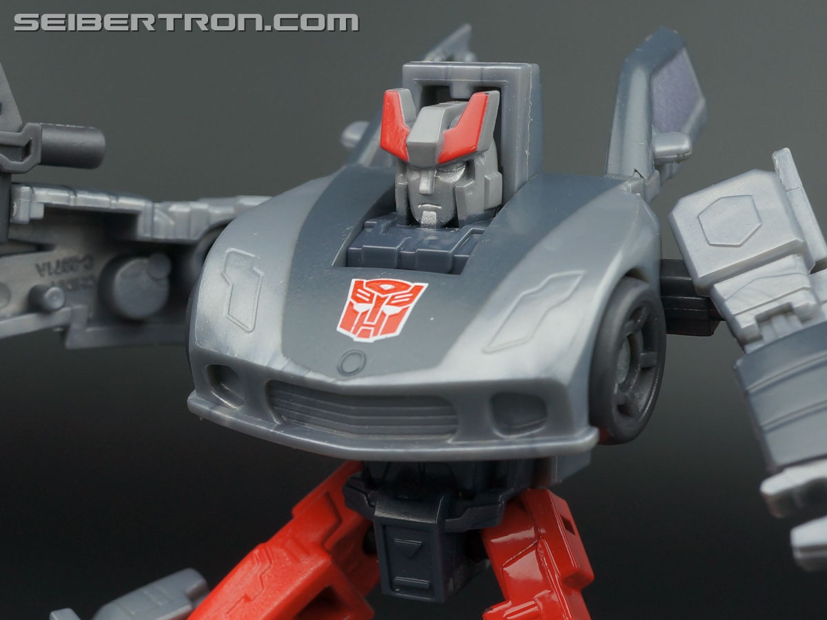Transformers Generations Bluestreak (Silverstreak) (Image #70 of 101)
