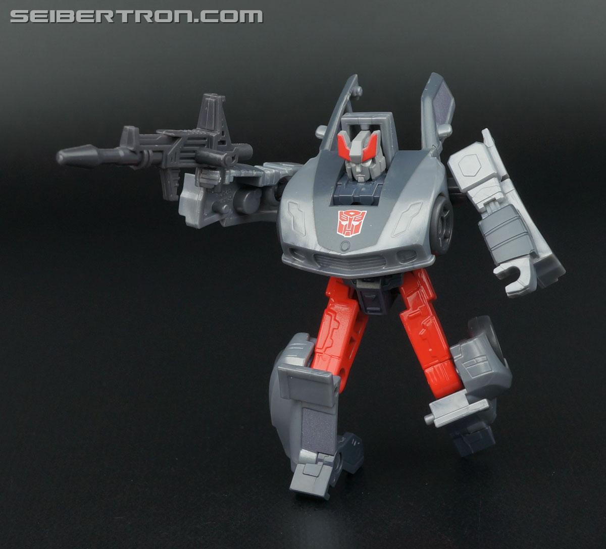 Transformers Generations Bluestreak (Silverstreak) (Image #82 of 101)