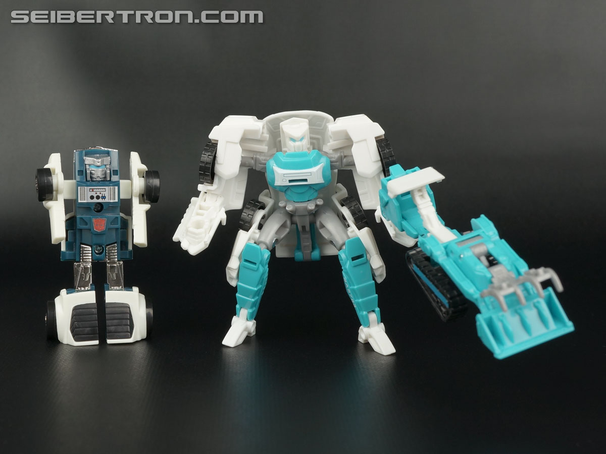 Transformers Generations Tailgate (Image #136 of 159)