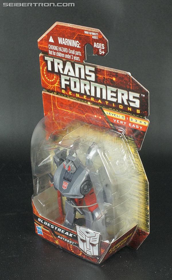 Transformers Generations Bluestreak (Silverstreak) (Image #7 of 101)