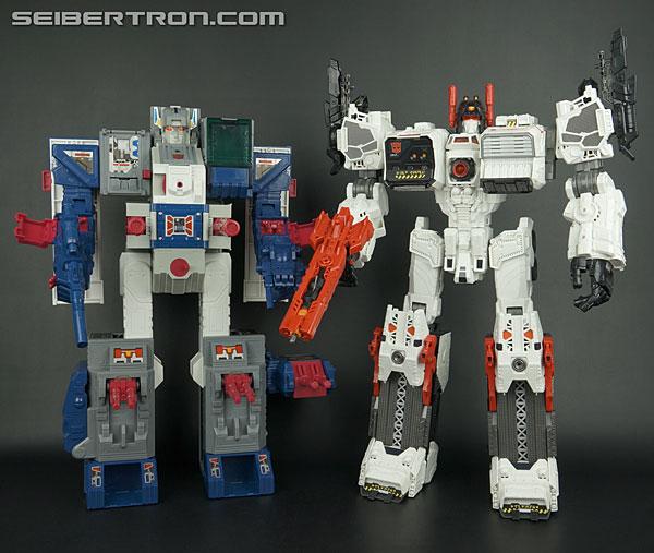 Combiner Wars Devastator & autres robots de la gamme R_metroplex-532