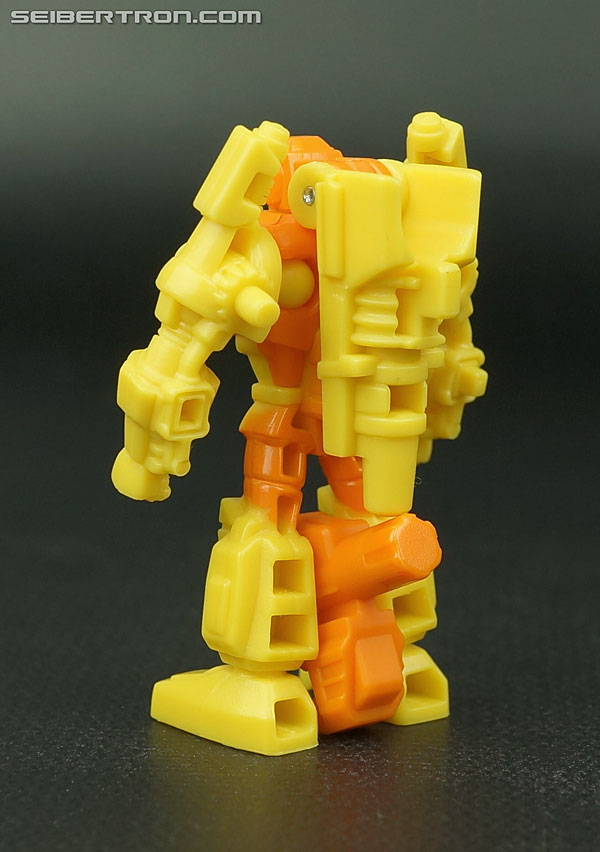 Transformers Generations Caliburst (Tracer) (Image #33 of 63)