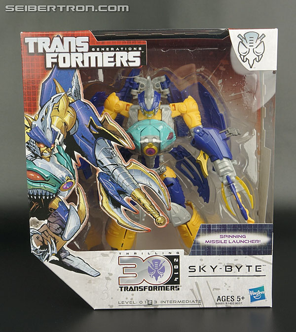 Transformers News: New Gallery: Transformers Generations Voyager Sky-Byte and Club Scourge Gallery Update
