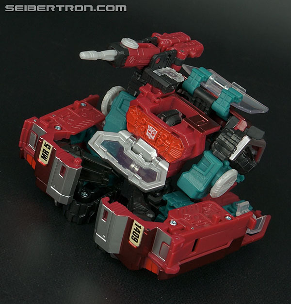Transformers News: New Galleries: Generations Magnificus and United Perceptor