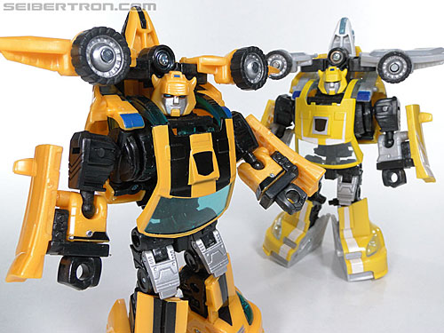 Transformers Reveal The Shield Bumblebee (Image #135 of 141)