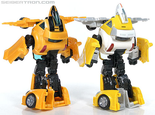 Transformers Reveal The Shield Bumblebee (Image #140 of 141)