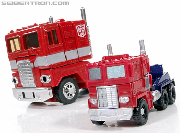Transformers Reveal The Shield Optimus Prime (Image #32 of 93)
