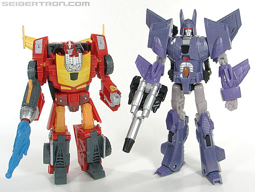 Transformers Reveal The Shield Nightstick (Image #25 of 54)
