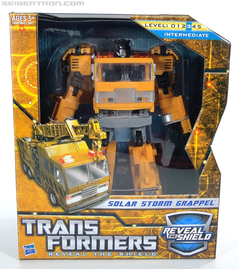 Transformers Reveal The Shield Solar Storm Grappel (Grapple) (Image #1 of 149)