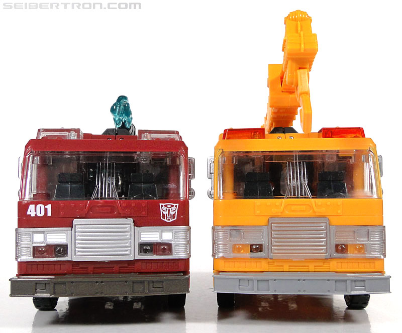Transformers Reveal The Shield Solar Storm Grappel (Grapple) (Image #39 of 149)