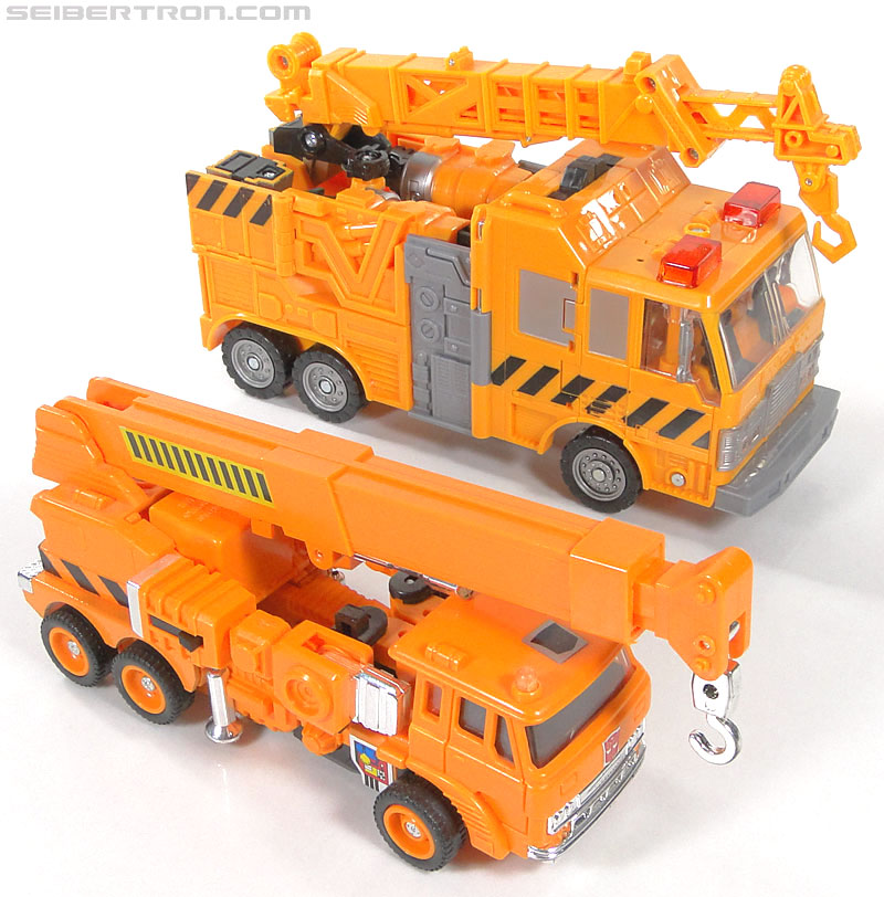 Transformers Reveal The Shield Solar Storm Grappel (Grapple) (Image #62 of 149)