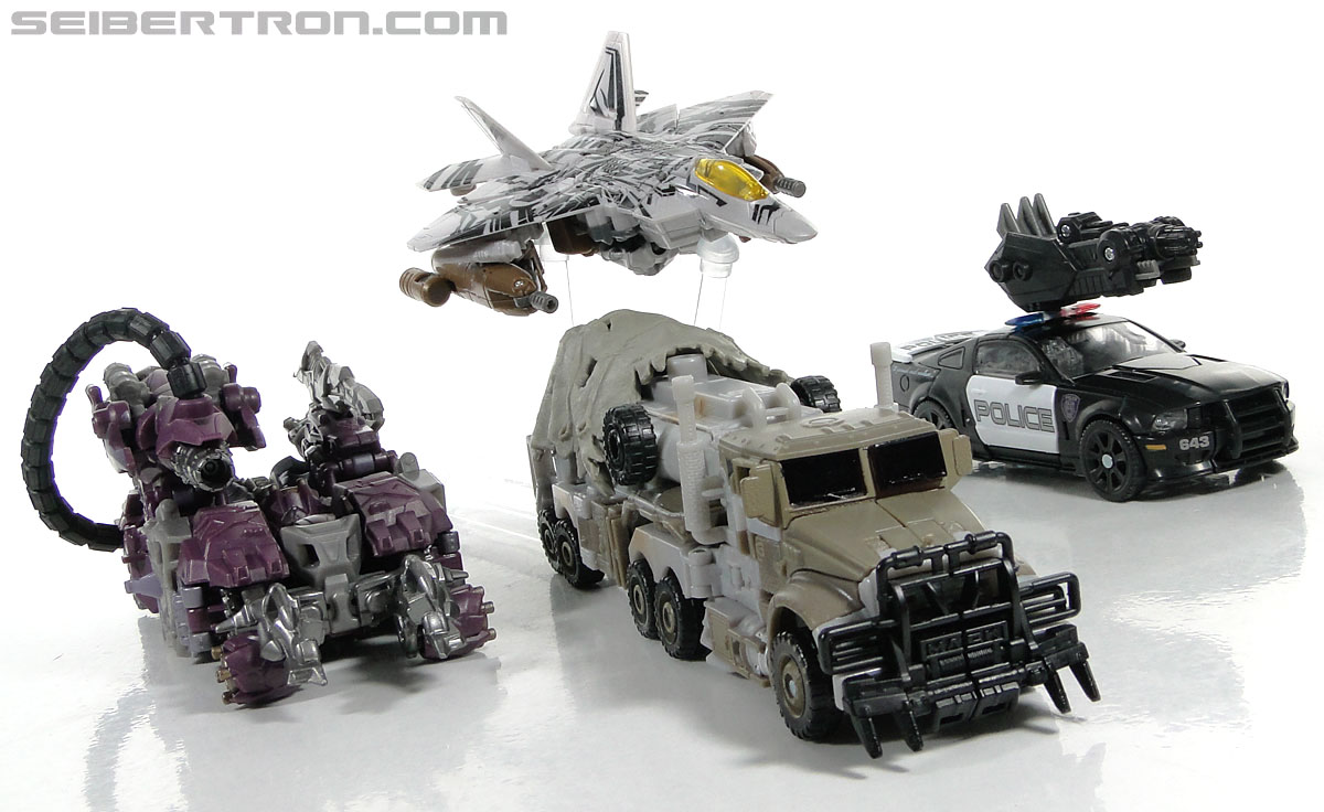 Transformers Dark of the Moon Barricade (Image #61 of 153)
