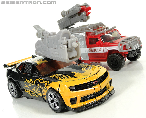 Transformers Dark of the Moon Cyberfire Bumblebee (Bumblebee) (Image #40 of 138)