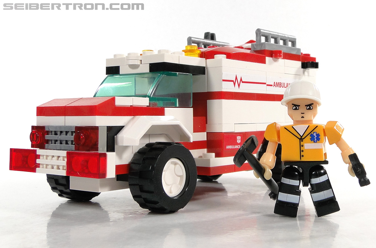 Kre-O Transformers Kreon Medic (Image #31 of 41)