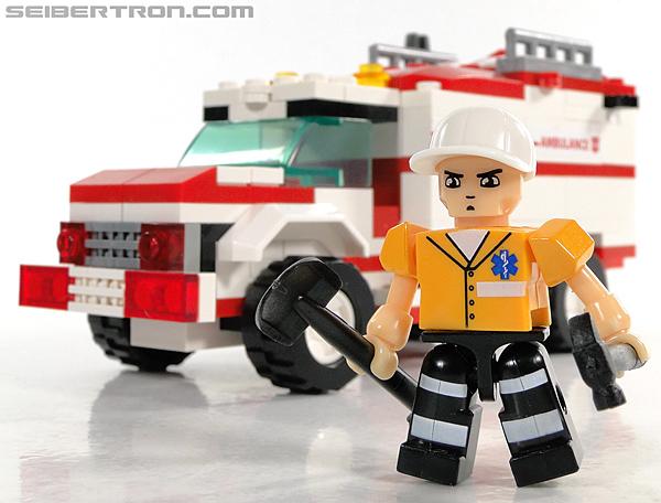 Kre-O Transformers Kreon Medic (Image #32 of 41)