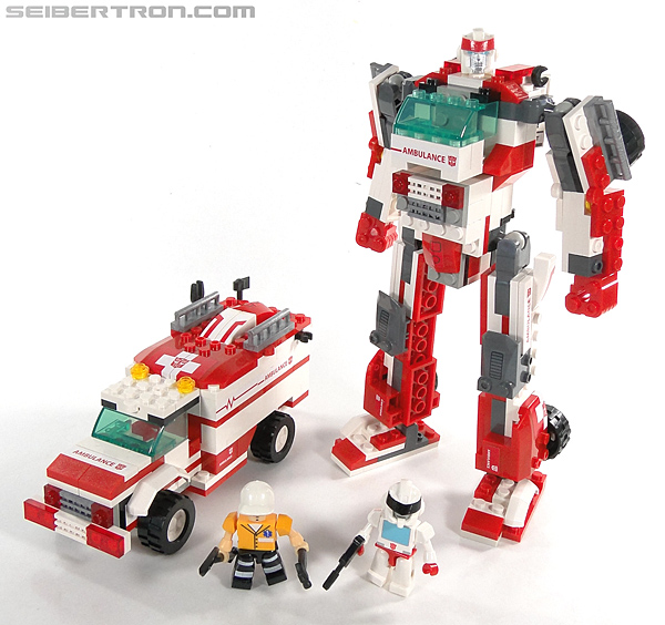 Kre-O Transformers Kreon Medic (Image #35 of 41)