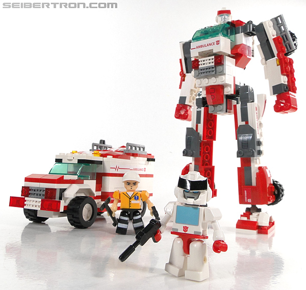Kre-O Transformers Kreon Medic (Image #36 of 41)