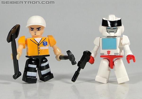 Kre-O Transformers Kreon Medic (Image #37 of 41)