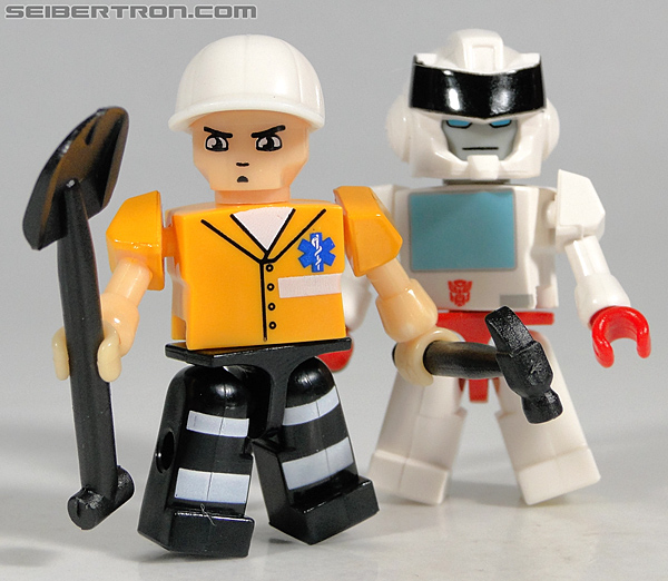 Kre-O Transformers Kreon Medic (Image #38 of 41)