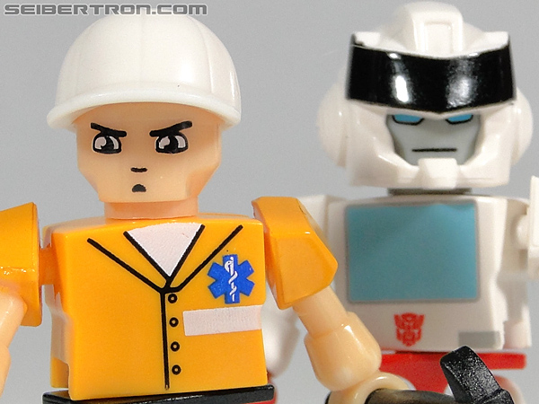 Kre-O Transformers Kreon Medic (Image #39 of 41)