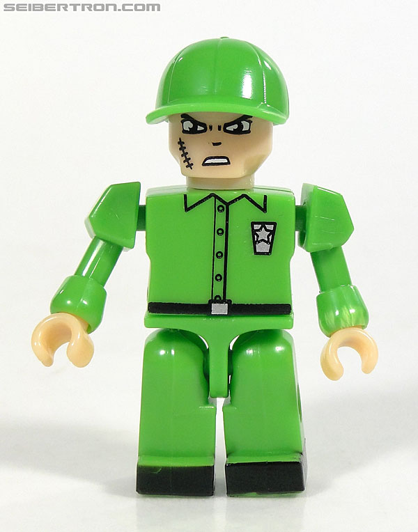 Kre-O Transformers Kreon Specialist (Image #22 of 48)