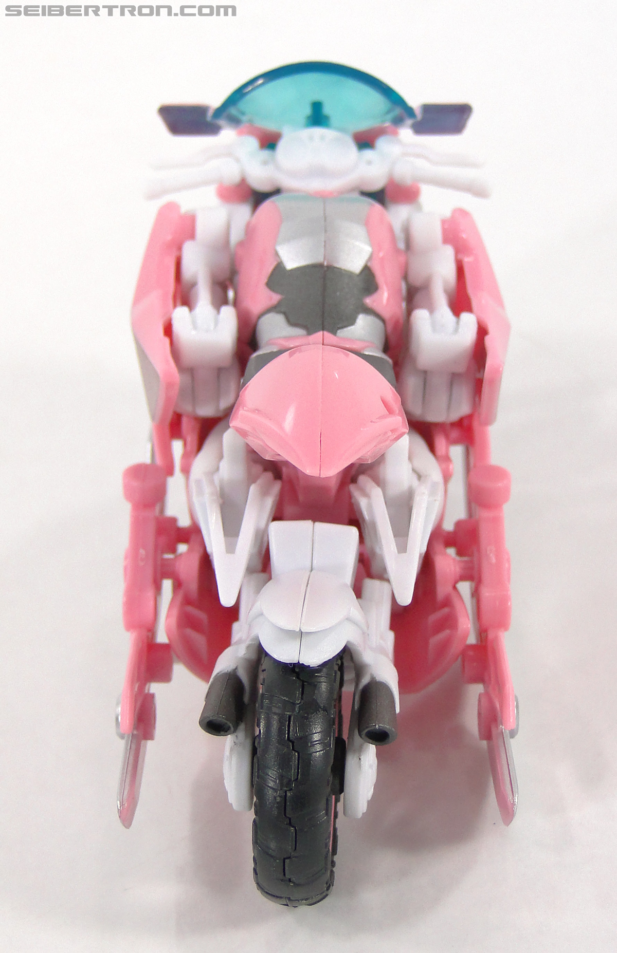 Transformers Prime: First Edition Arcee (NYCC) (Image #6 of 127)